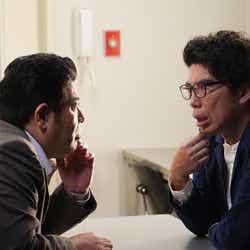 皆川猿時、片桐仁/「あなたの番です」第13話より(C)日本テレビ