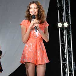 ファッションショー「a-nation&GirlsAward lsland collection」の「MORE」ステージに出演した矢野未希子