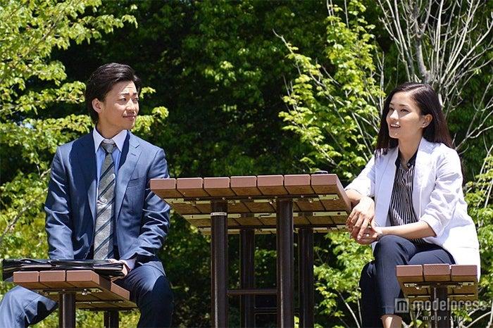 「ブラック・プレジデント」の第9話に出演する黒木メイサ(右)と大東駿介(左)/(C)フジテレビ