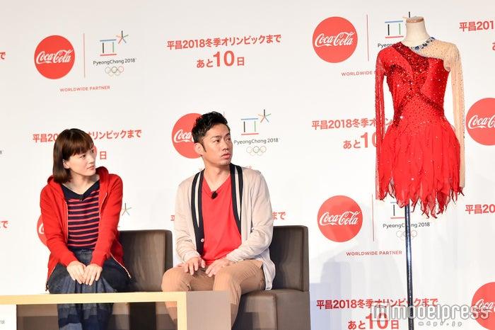 CMで綾瀬が着用した衣装も登場 (C)モデルプレス