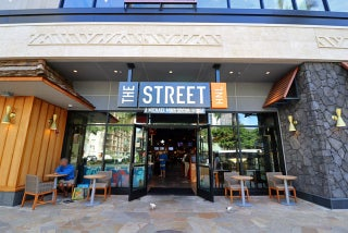 ザ・ストリートに新コンセプトのバーガー店「バーガーハレ」が仲間入り