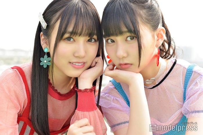 モデルプレスのインタビューに応じた矢吹奈子&田中美久 (C)モデルプレス