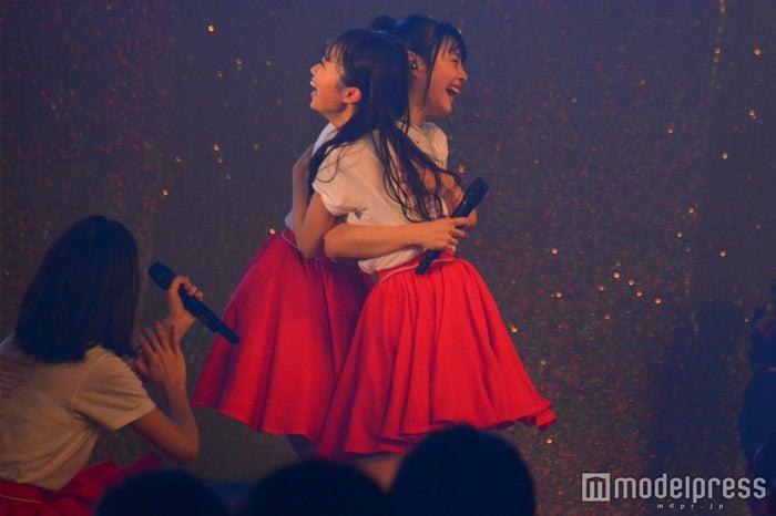 単独コン決定に喜ぶ中井りか&本間日陽「NGT48単独コンサート~未来はどこまで青空なのか?~」 (C)モデルプレス