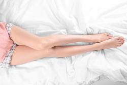 寝転んだまま脚痩せ!美脚に導くヨガポーズ♪