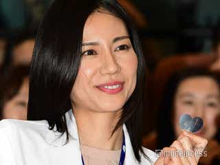 松下奈緒「無我夢チューな一年に」 白衣姿で登壇<アライブ がん専門医のカルテ>