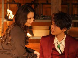 「美食探偵」中村倫也に新展開 小池栄子の歪んだ愛、妖艶キスシーンにも注目