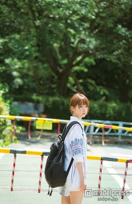 橋本奈々未ファースト写真集『やさしい棘』(8月28日発売)/写真提供:幻冬舎