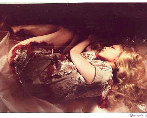 金髪ロングの最上もが「お人形さんみたい」「眠れる森の美女ですか?」絶賛の声相次ぐ