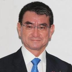 河野大臣、テレビ番組で紹介の「マスクマナー」を一喝 乙武洋匡氏も反論