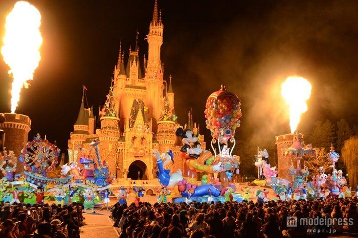 閉園後のディズニーランドを貸切、30周年パレードがスペシャルバージョンに