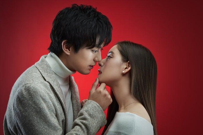 新田真剣佑、新木優子(画像提供:日本テレビ)