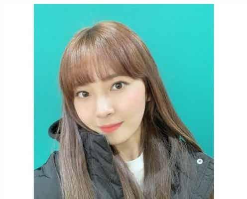 NiziUマユカ、茶髪姿公開「美人度増した」「似合う」と絶賛の声