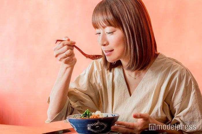 コクのあるスープに舌鼓 (C)モデルプレス