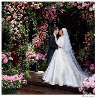 ミランダ・カー、結婚式でのウェディングドレス姿を公開