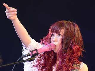 大森靖子、客席に飛び込むド迫力ライブで圧倒