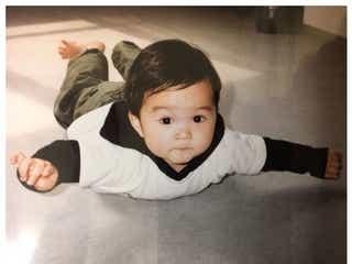 鈴木仁「20歳になりました」幼少期ショット公開に反響