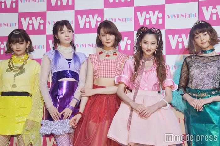 (左から)emma、八木アリサ、トリンドル玲奈、河北麻友子、玉城ティナ (C)モデルプレス