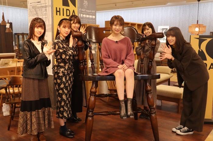 (左から)松田好花、堀未央奈、菅井友香、秋元真夏、松田里奈、佐々木久美(C)NHK