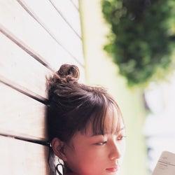 乃木坂46鈴木絢音、水着&ランジェリーカットも収録 ファースト写真集発表