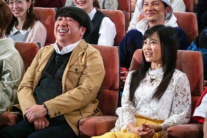 日村勇紀、小島瑠璃子 (C)テレビ東京