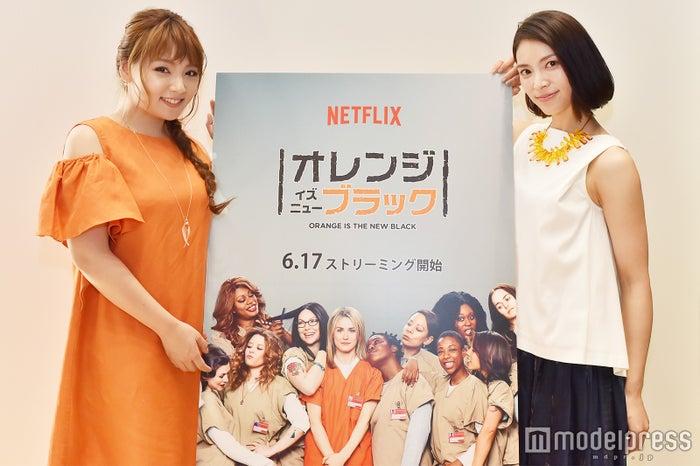 モデルプレスのインタビューに応じた野呂佳代、秋元才加(C)モデルプレス