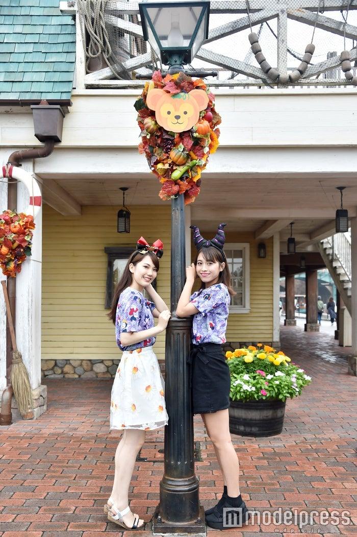 デコレーション/モデル:(左から)松田佳奈子、山本沙樹(C)モデルプレス(C)Disney