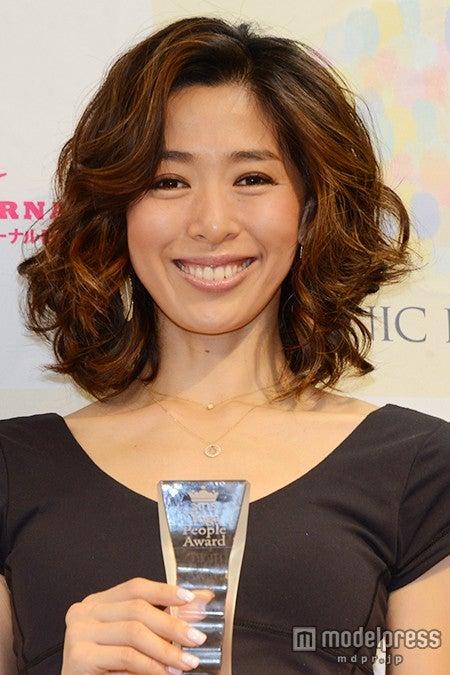 第2回「ヨガピープルアワード」にて「ベスト・オブ・ヨガミューズ」を受賞した野沢和香【モデルプレス】