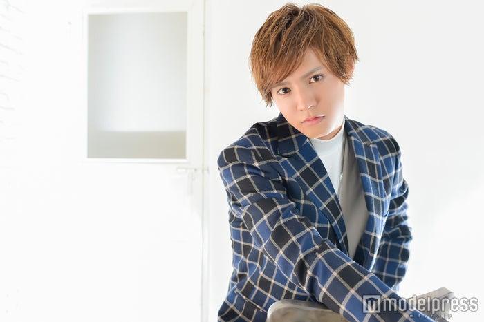 モデルプレスのインタビューに応じた片寄涼太(C)モデルプレス