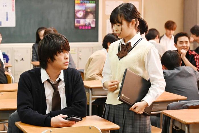今井悠貴・森七菜/「3年A組 ―今から皆さんは、人質です―」第8話より(C)日本テレビ