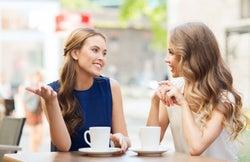 「誰か紹介して!」効率よく出会いを増やすには、友達と二人三脚が◎