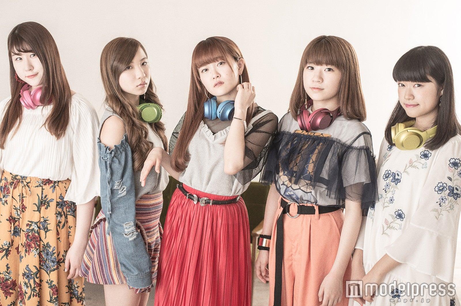 Little Glee Monster(左から)かれん、MAYU、芹奈、manaka、