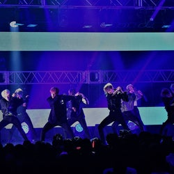 イケメンすぎる次世代K-POPグループ・THE BOYZに会場興奮 日本語&英語MCもスマートにキメる<MTV VMAJ 2019 -THE LIVE->