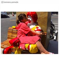 """山田菜々、ハグ&キスの""""スキャンダル写真""""公開に反響「まだだめかな?」"""