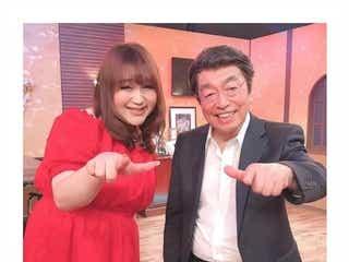 """りんごちゃん、志村けんさんは「愛された人」""""スターティン""""ポーズの2ショットで追悼"""