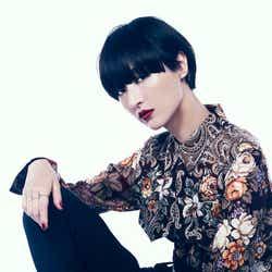 モデルプレス - シシド・カフカ、50cm断髪の理由語る 驚きのプライベート・恋愛観も明らかに