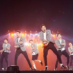 """EXOが見た初めての景色と決意 """"男性海外アーティスト最速""""重圧はねのけた東京ドーム単独<ライブレポ>"""