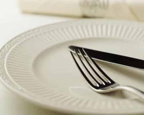 """マナー講師が教える""""絶対NGなテーブルマナー""""3選「ナイフの刃を…」"""