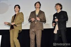 吉沢亮、賀来ポン太(賢人)、ムロツヨシ(C)モデルプレス