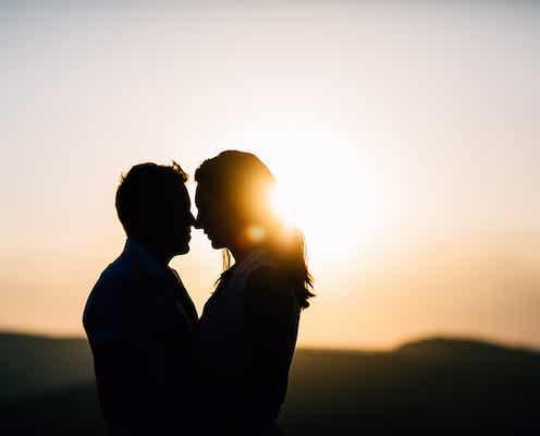 彼にキスを迫られたら…男性のテンションを上げる反応3選
