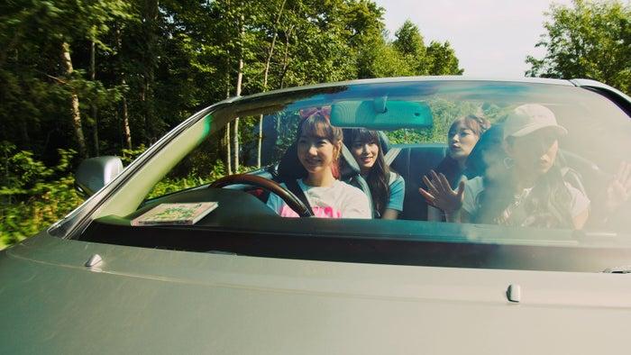 2018年(変革の年)AKB48「サステナブル」MV(C)AKS/キングレコード