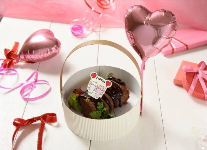 うさまる・うさこの空飛びそうなロールケーキ1,490円(税抜)/画像提供:株式会社レッグス