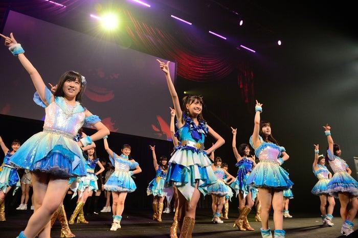 HKT48「AKB48グループ同時開催コンサートin横浜~来年こそランクインするぞ決起集会~」(C)AKS