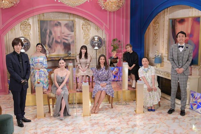 (左から)DAIGO、アンミカ、土屋アンナ、矢吹奈子、高橋メアリージュン、サーヤ、いとうあさこ、田中卓志(C)MBS