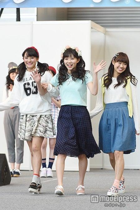 (左から)森高愛、長崎すみれ、山口乃々華