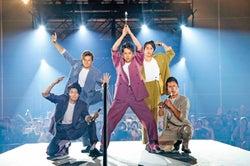 PKCZ(R)×「HiGH&LOW」山下健二郎&佐藤寛太&佐藤大樹も歌って踊った 登坂広臣・佐野玲於がゲスト出演、八木兄弟のライブ初コラボも<レポ>