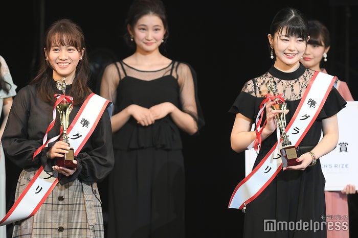 日本一の新入生を決めるミスコン「FRESH CAMPUS CONTEST 2018」準グランプリ・山中陽菜さん、岡町綾乃さん(C)モデルプレス