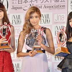 【左から】ヨンア、ローラ、川島なお美