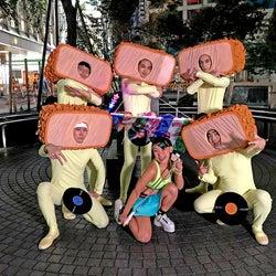 フワちゃん、本人役で映画初出演 全身タイツの北村匠海らとの場面写真も解禁<とんかつDJアゲ太郎>