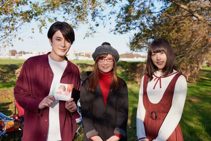 左から)間宮祥太朗、奥華子、桜井日奈子(C)2019映画『殺さない彼と死なない彼女』製作委員会