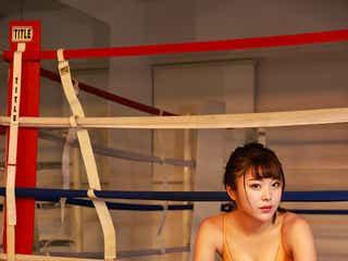 """野田すみれ、水着ゴルフに続き""""水着ボクシング""""姿がセクシー"""